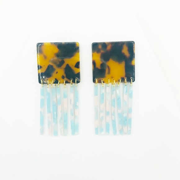 CLOSET REHAB Jewelry - Square Earrings in Tortoise with Blue Fringe